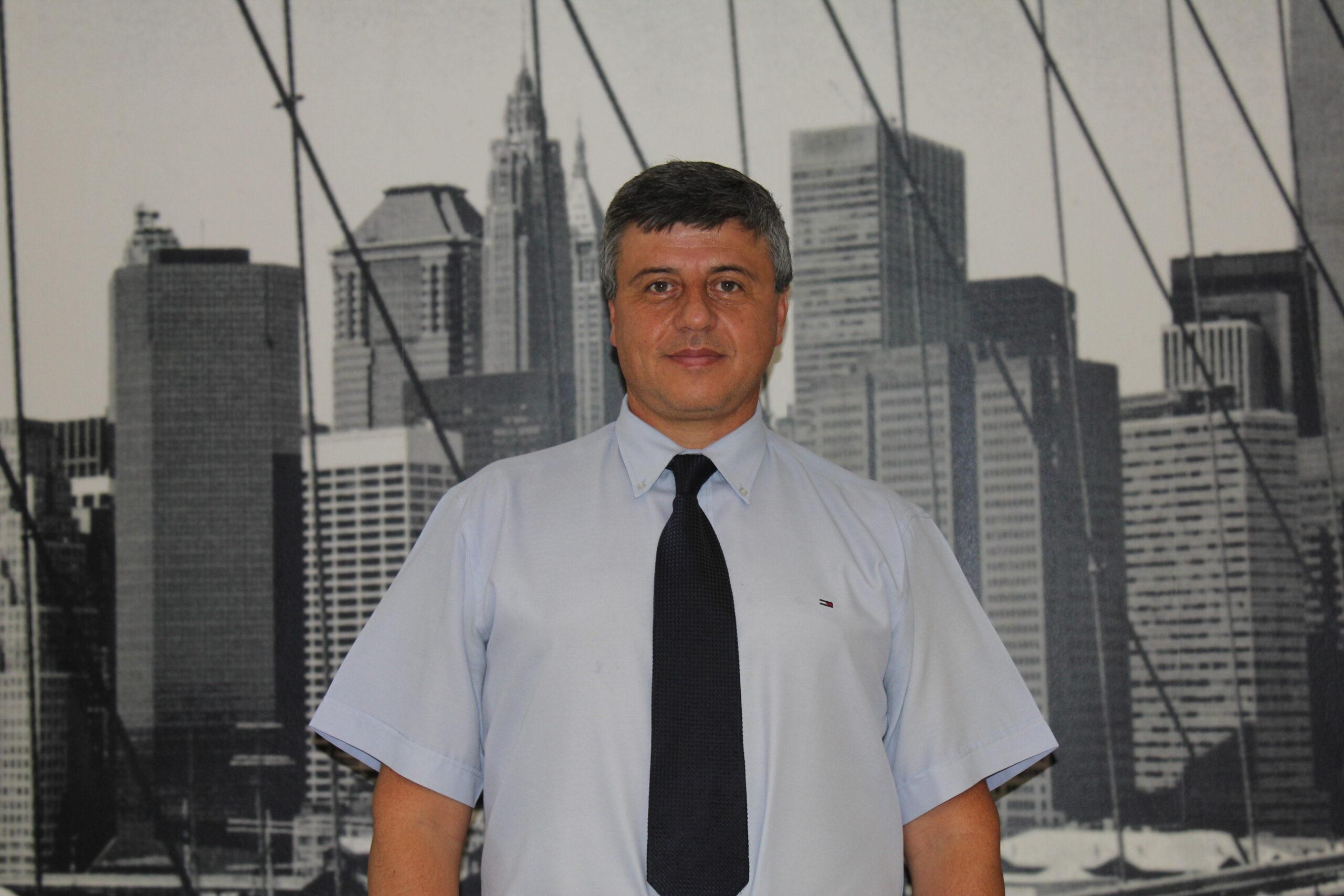 Julio Medeiros Tavares, Area sales manager OAK